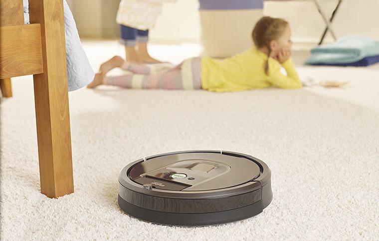 Roomba R980 lifestyle 1