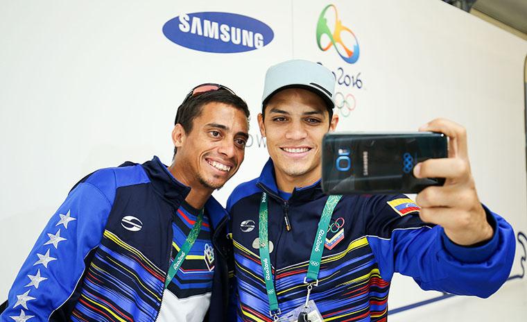 Olympians Visit Samsung Galaxy Studio