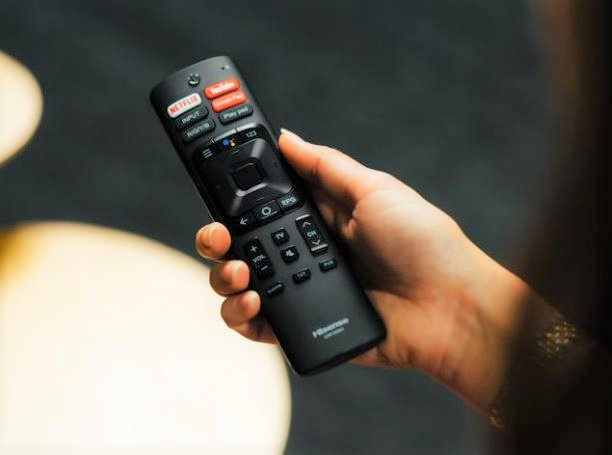 Hisense 8K ULED U80G TV simple remote
