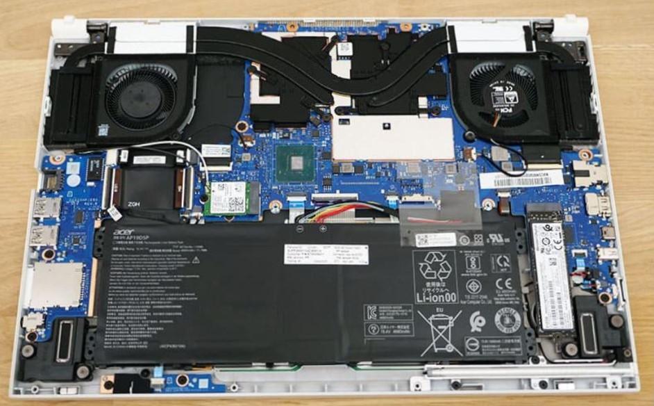 Acer ConceptD 3 Ezel inside